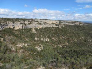 Cingles de Solans, Punta del Barrina i Serret dels Avencs