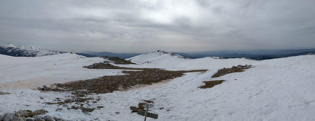 A l'esquerra el Canigo i al mig el Costabona des de Roca Colom