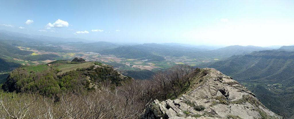 Santa Magdalena del Mont i Puig Corneli des de Puig dels Llops