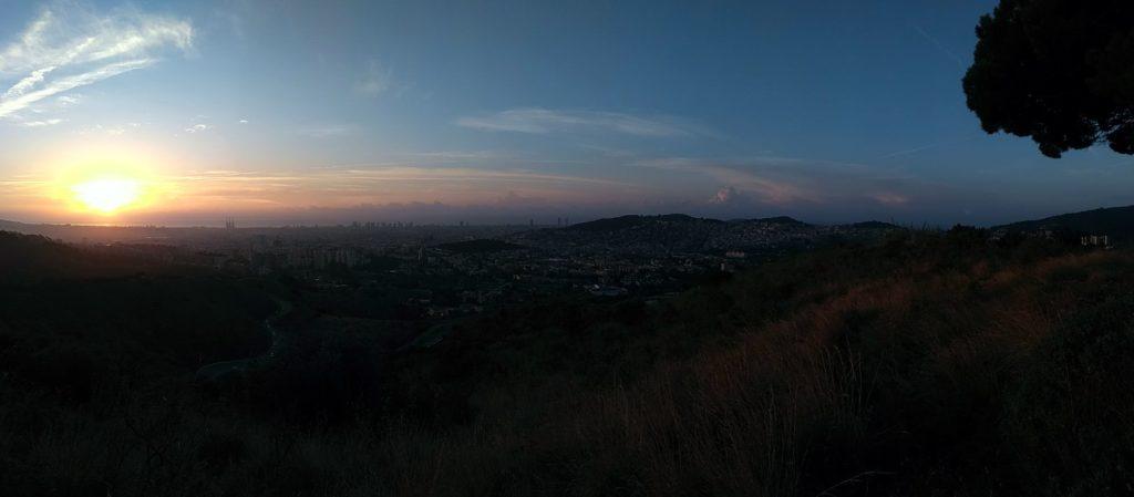 Sortida de sol des de la muntanya del Notari