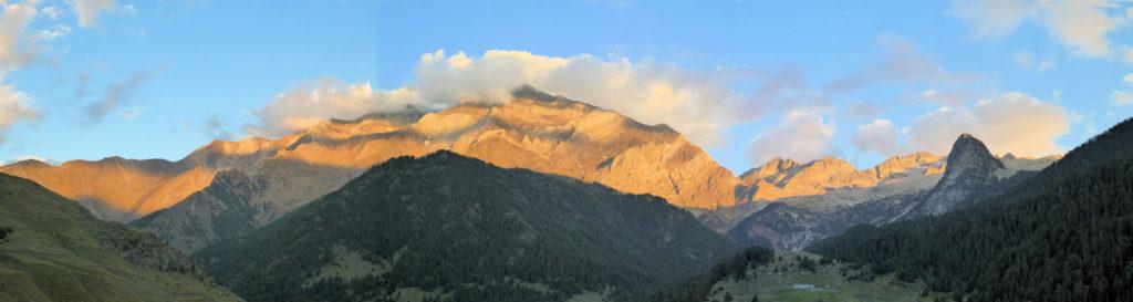 La cresta d'Espades des del refugi de Biadós
