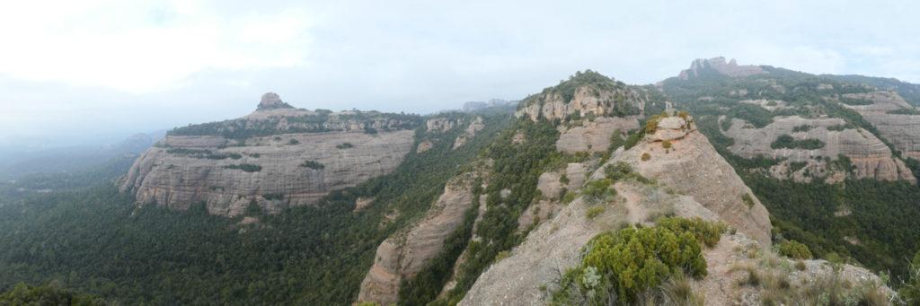 Panoràmica cingleres Obac des de Roca Salvatge