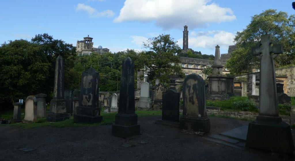 Llegendes i cementiris