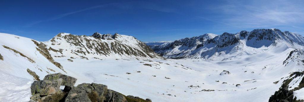 Vall de Campcardós des del collet pujant Envalires