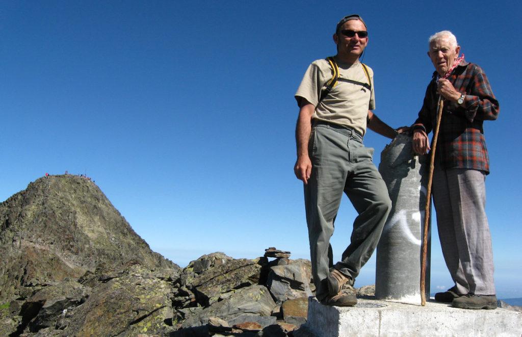 Al cim de la Punta de Gabarró, darrera la Pica